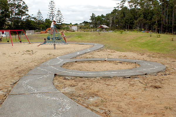MAZ: Children's Playground Snake Path 8